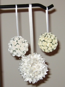 White and ivoryfloralornaments